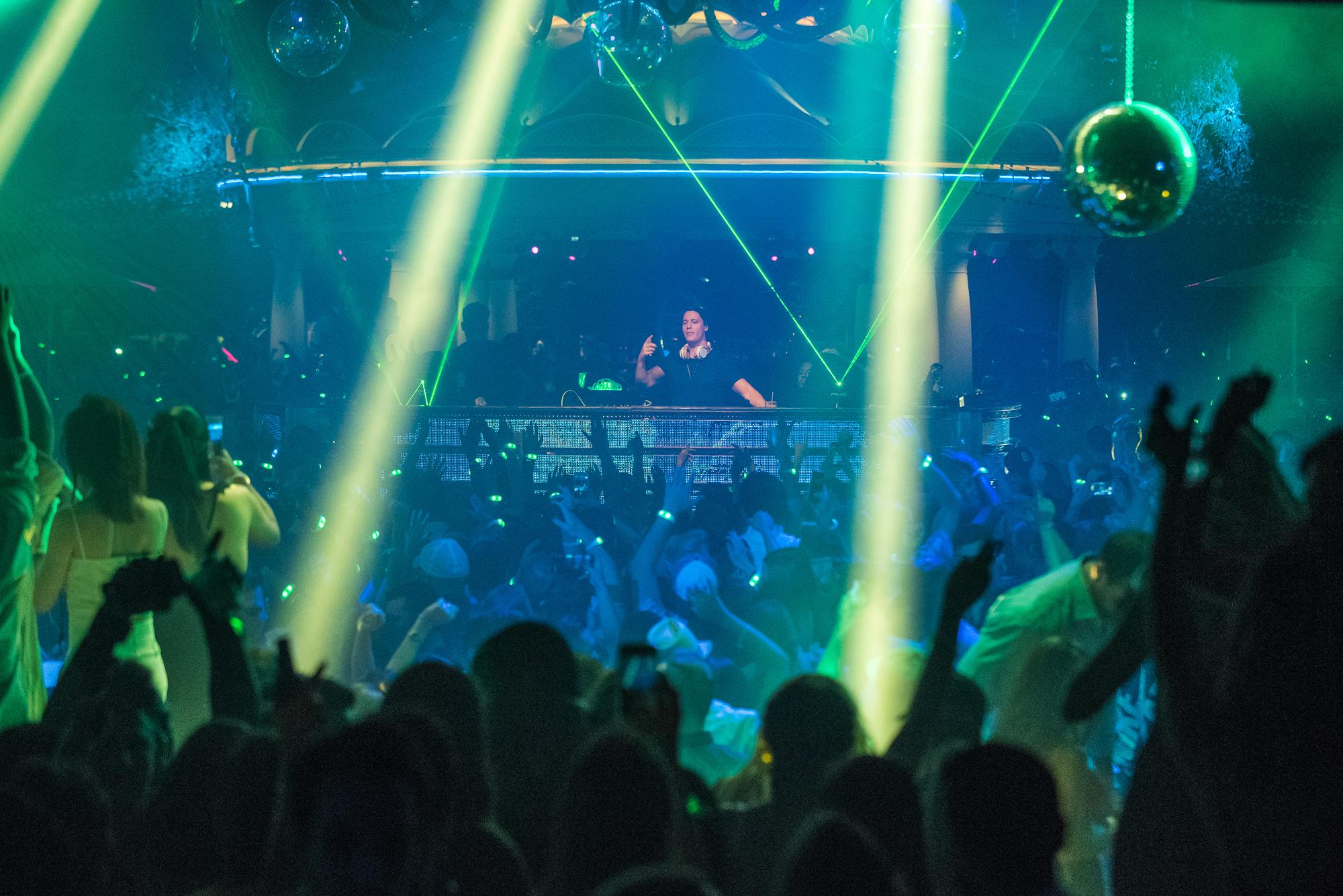 Kygo Wynn Nightlife Crowd Shot.JPG