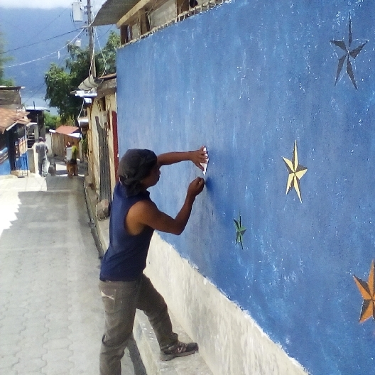 fincas buenas paint the town.jpg