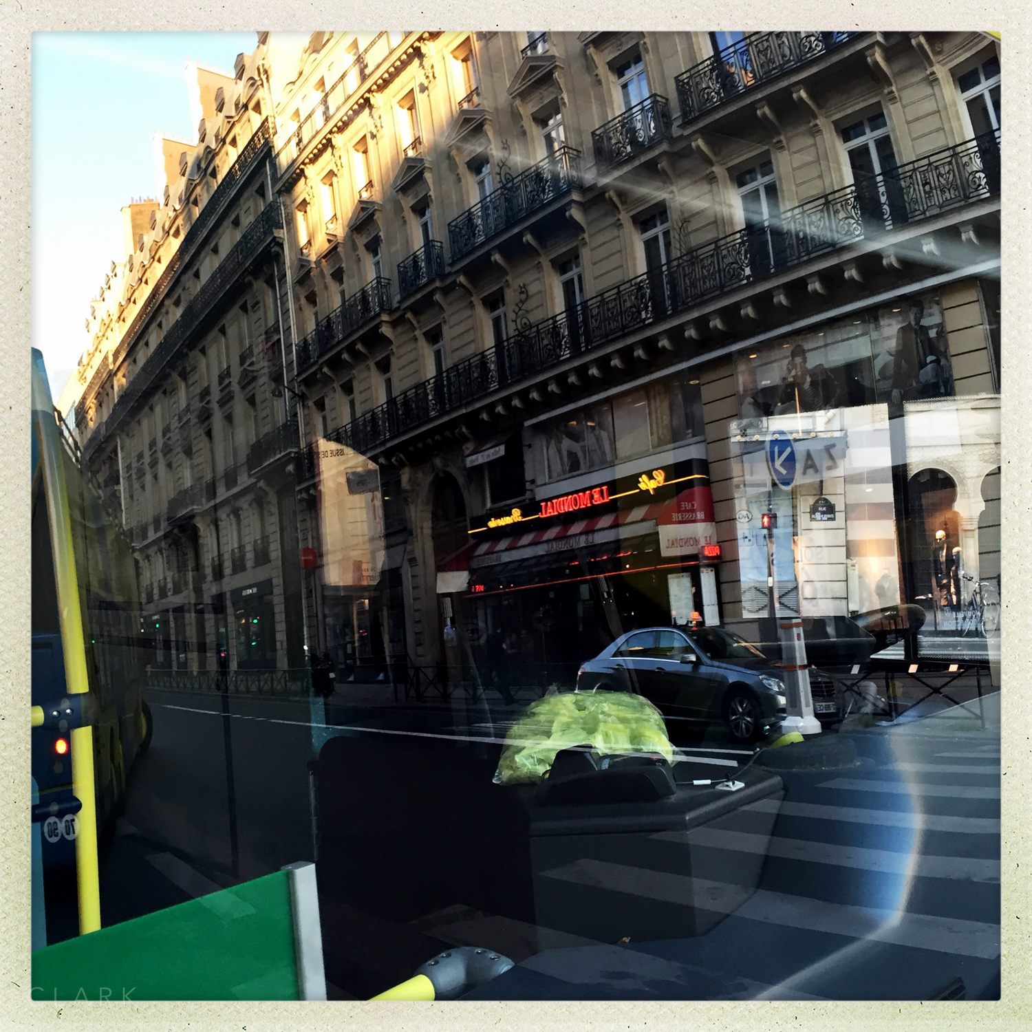 015_DerekClarkPhoto-Paris_iPhone.jpg