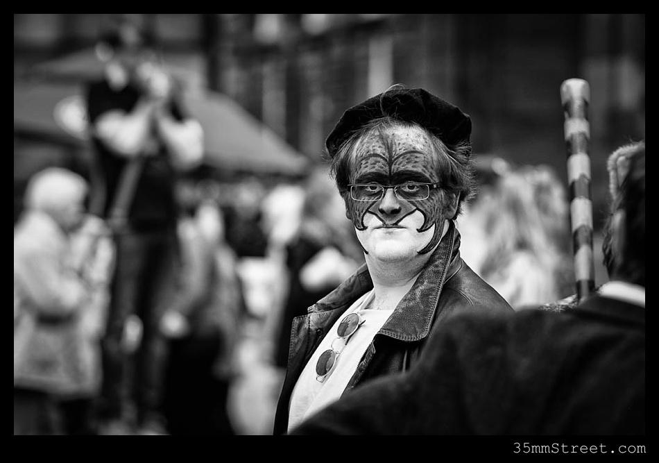 35mmStreet.com.Edinburgh-Festival-Fuji-90mm-03