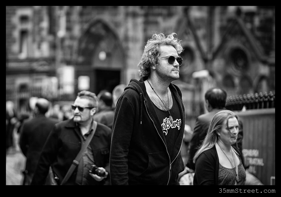 35mmStreet.com.Edinburgh-Festival-Fuji-90mm-06