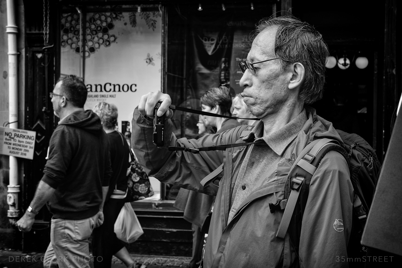 003_35mmStreet-X-Pro2-Edinburg Festival.jpg