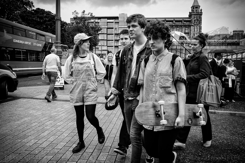 024_35mmStreet-X70-Edinburg_Festival.jpg