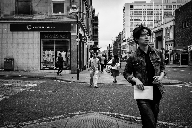 004_35mmStreet-Glasgow-Fuji_X70.jpg