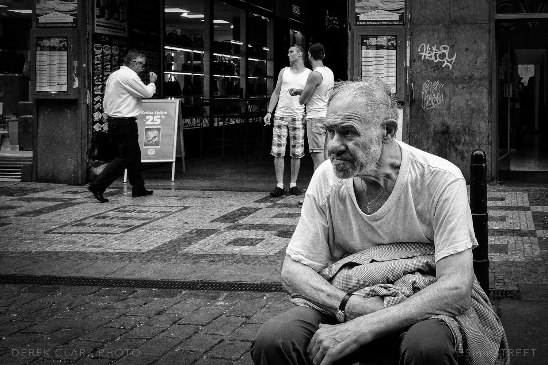 037_35mmStreet-Prague.jpg