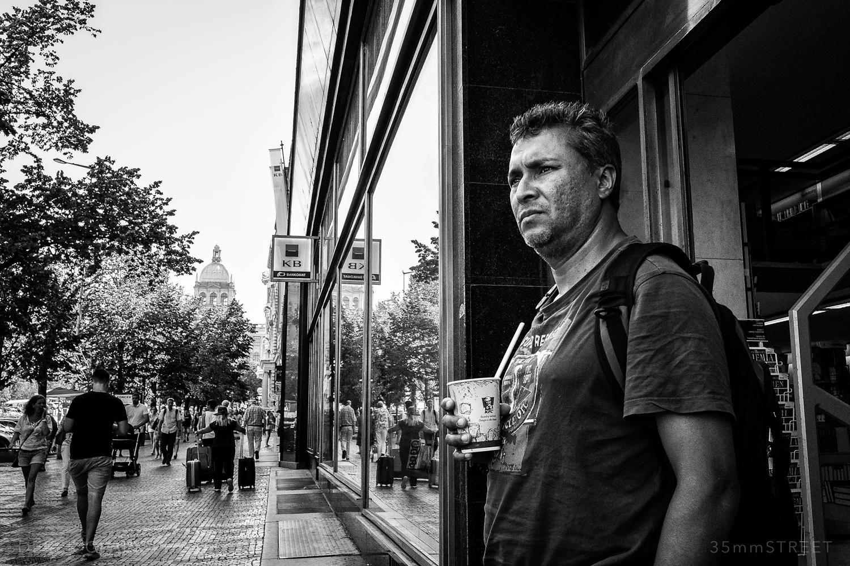 132_35mmStreet-Prague.jpg