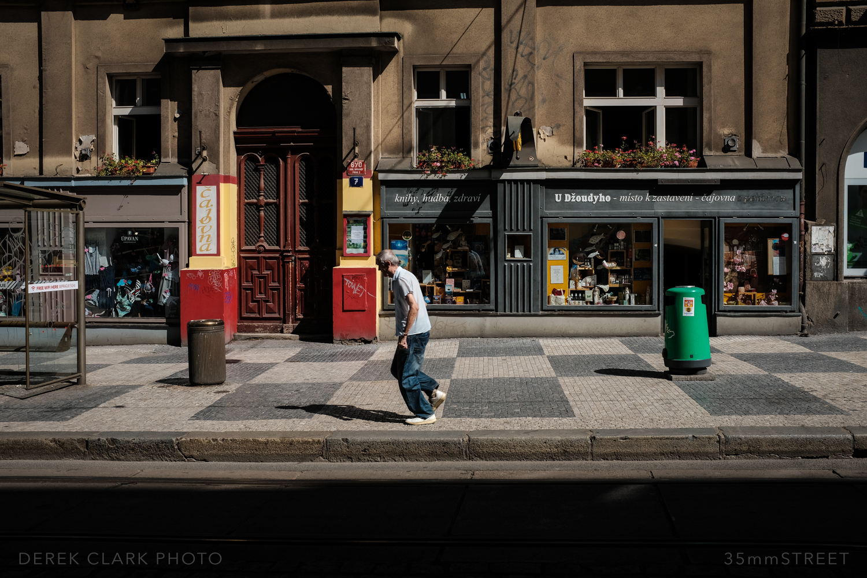 127_35mmStreet-Prague.jpg
