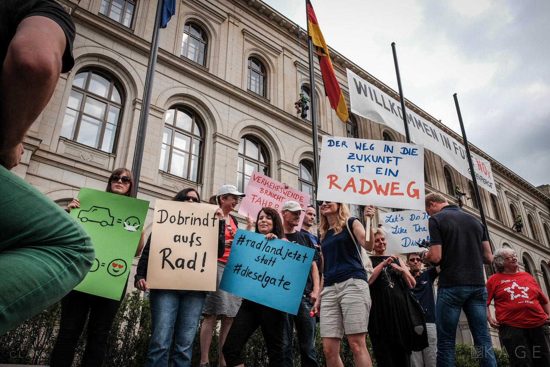 007_CLARK_Greenpeace-Berlin.jpg