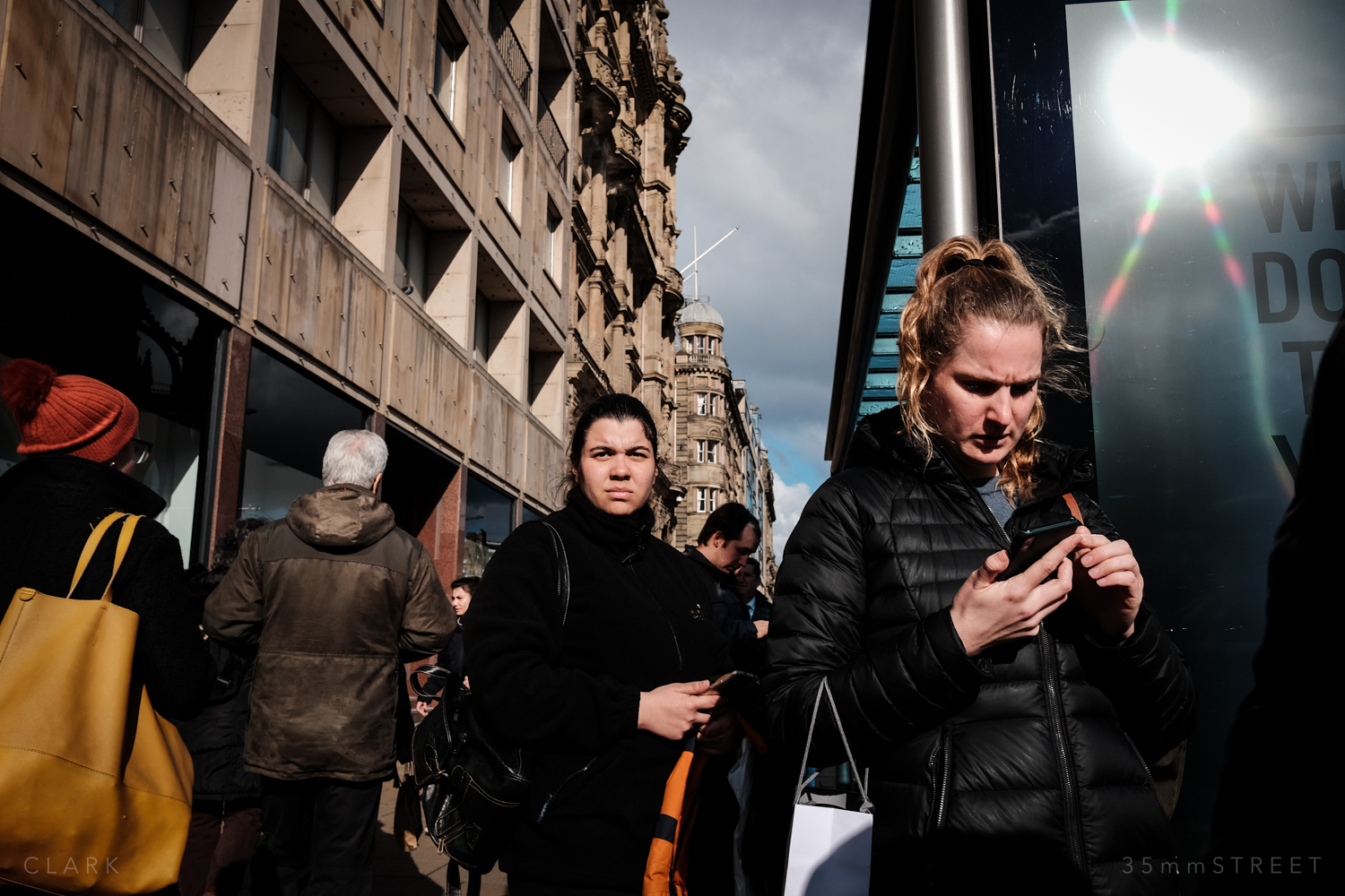 025_35mmStreet-Edinburgh-Street-Photography-20190404.jpg