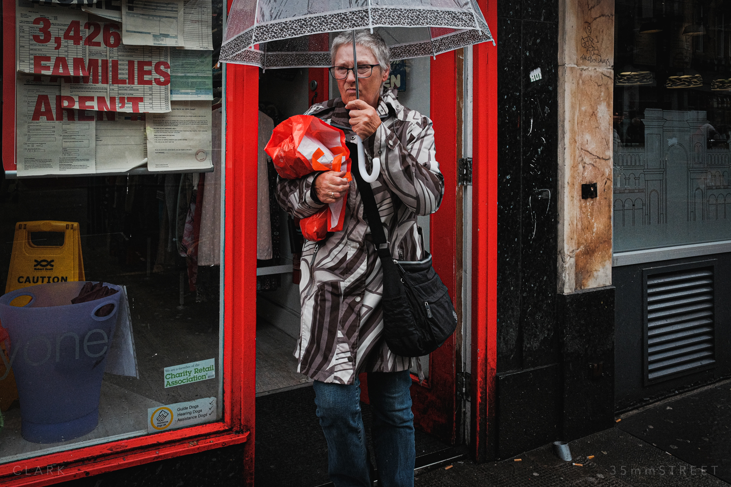 012_35mmStreet-Rainy-Friday-Glasgow.jpg