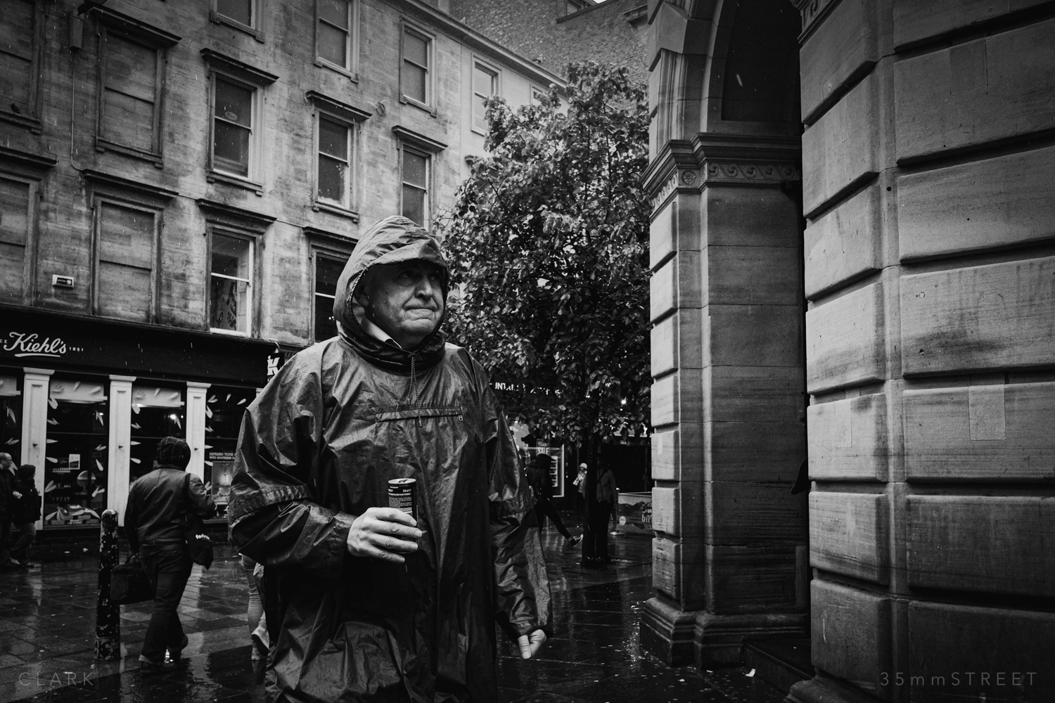006_35mmStreet-Rainy-Friday-Glasgow.jpg
