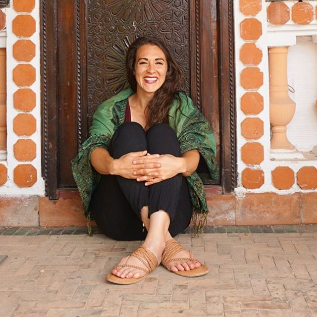 One of the amazing people you'll meet at our September 22nd summit is ⚡️@melissasevy⚡️, the founder of @musanaintl & @fairkind. Melissa started working in public health but switched to social entrepreneurship after she realized that the people need 💰 in order to afford the luxuries of 🏥💉💊. Melissa's efforts empower women economically by employing them as artisans who create products like jewelry, vases, and bags. Products are then sold here in the U.S. at fair trade prices. Seriously 😎.