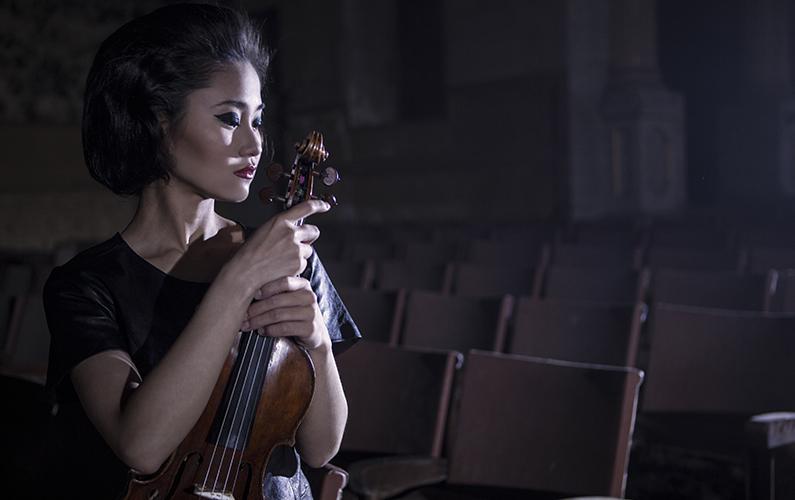 Sayaka Shoji, violin.