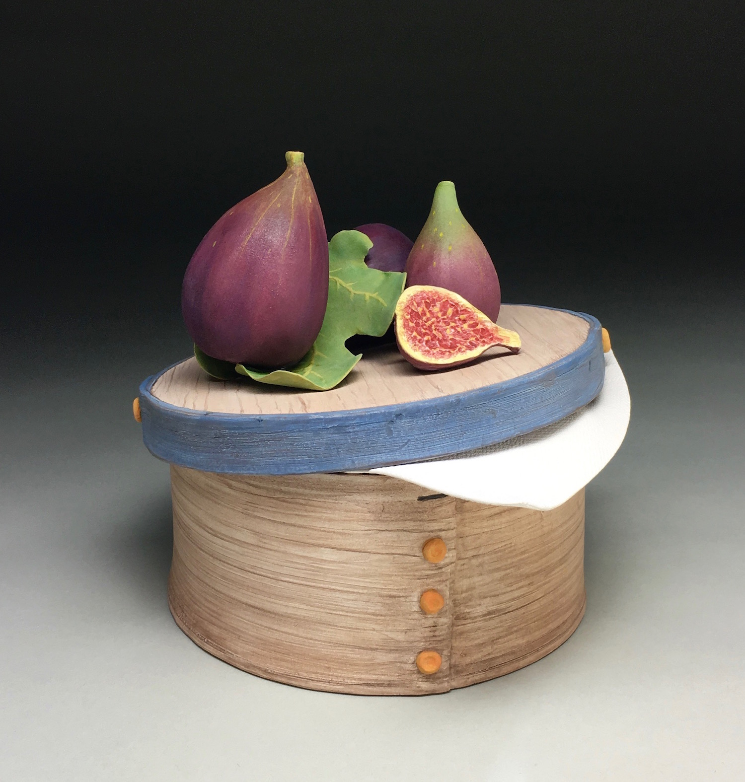 FIGS ON BLUE BANDED BOX