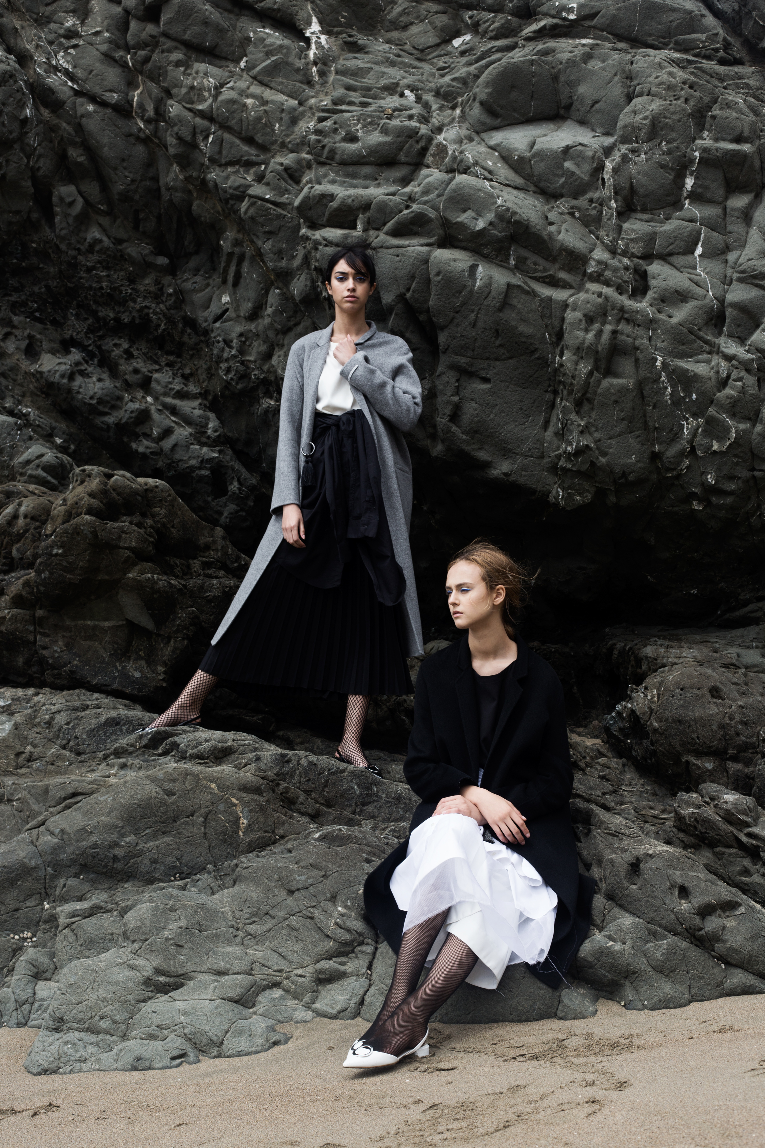 LEFT LOOK: White top: Mute by JL | Grey coat: Mute by JL | Black skirt: Mute by JL | RIGHT LOOK: Black top: Mute by JL | Black coat: Mute by JL | White skirt: Zara