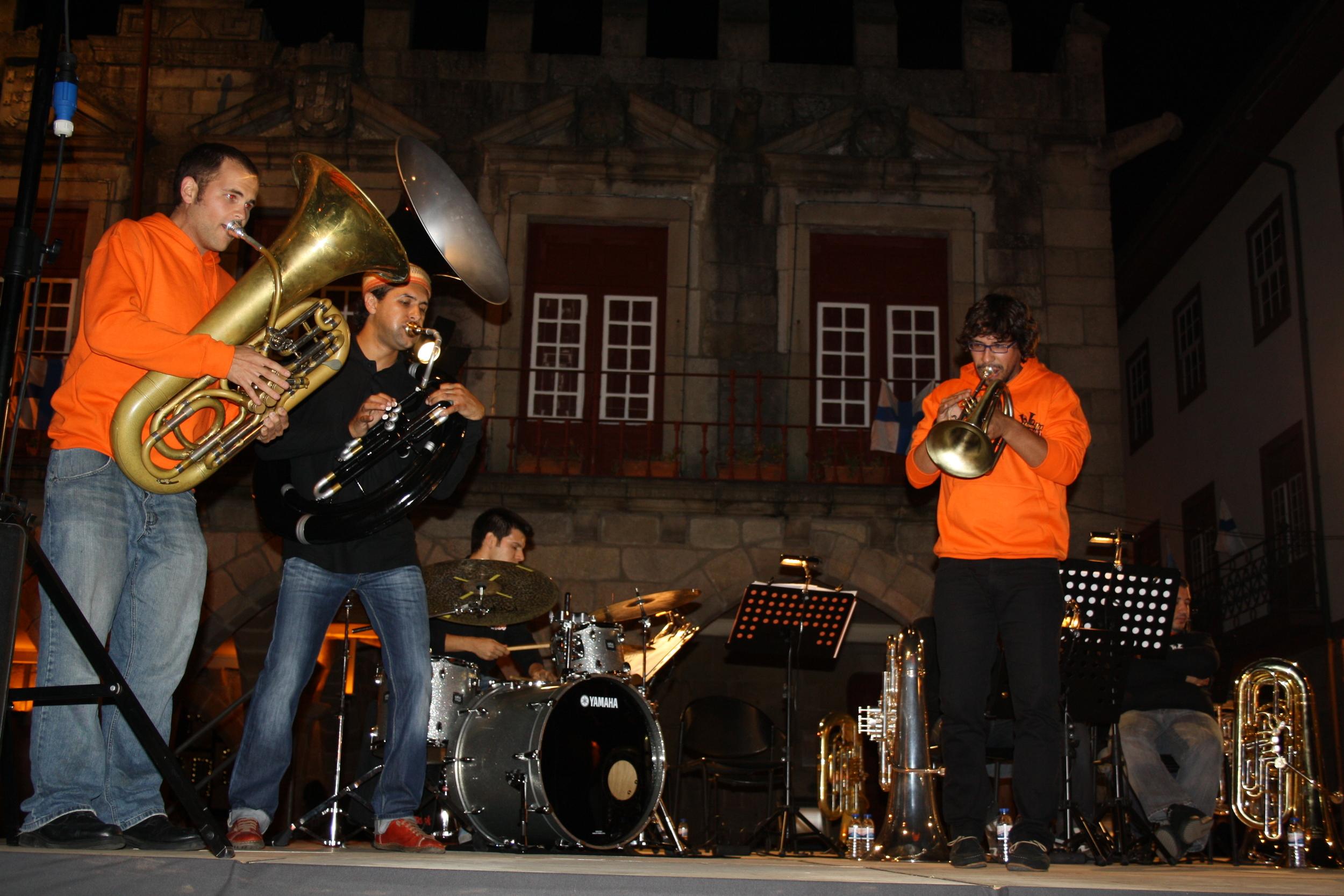 Guimarés, Portugal with Sérgio Carolino, Mario Costa, Gil Gonçalves and How Low Can You Go?!