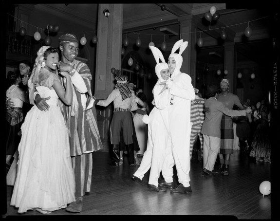 mardi-gras-masks_dc-575x454.jpg