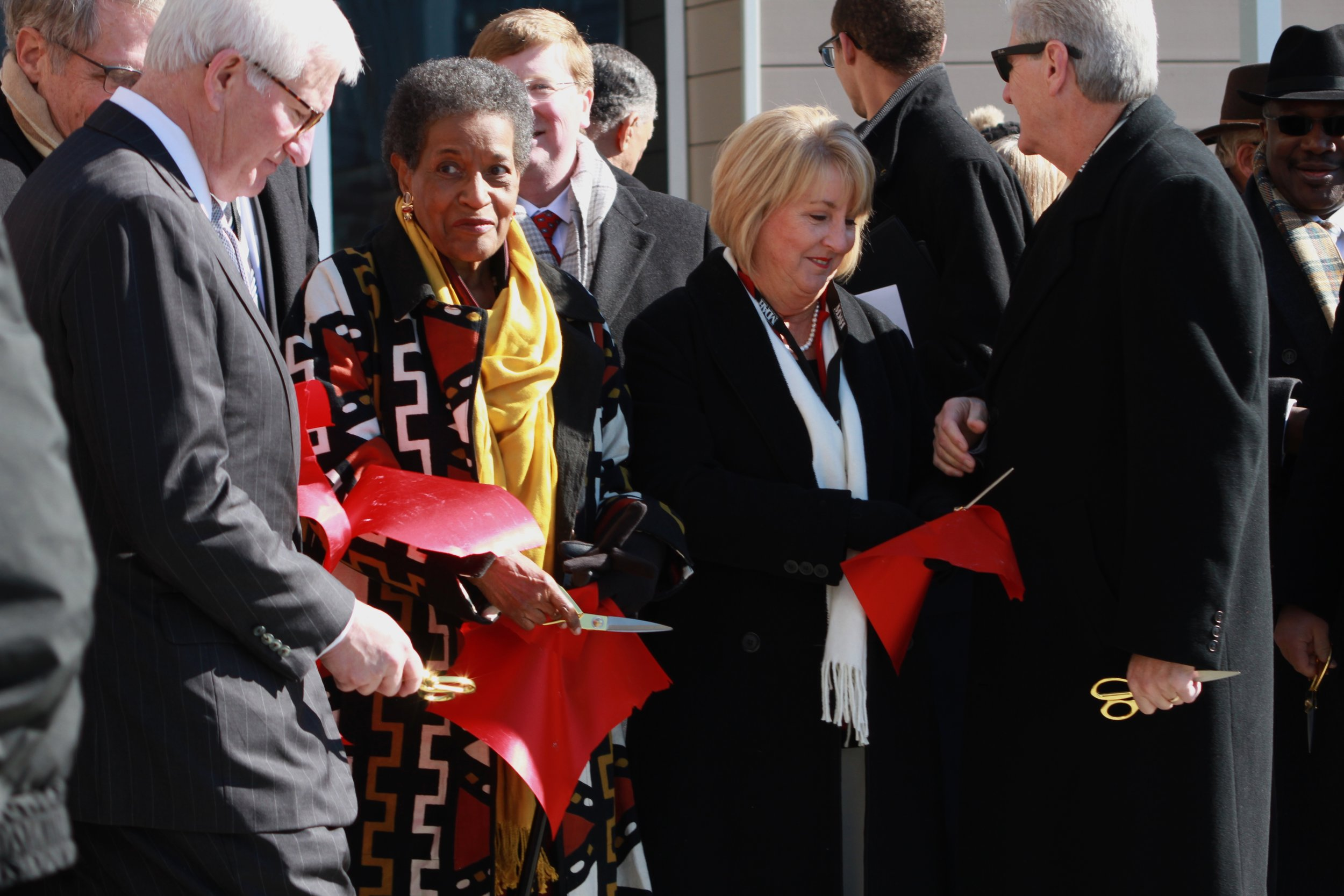 Mississippi politicians with Myrlie Evers-Williams at the ribbon-cutting of the Mississippi Civil Rights Museum.