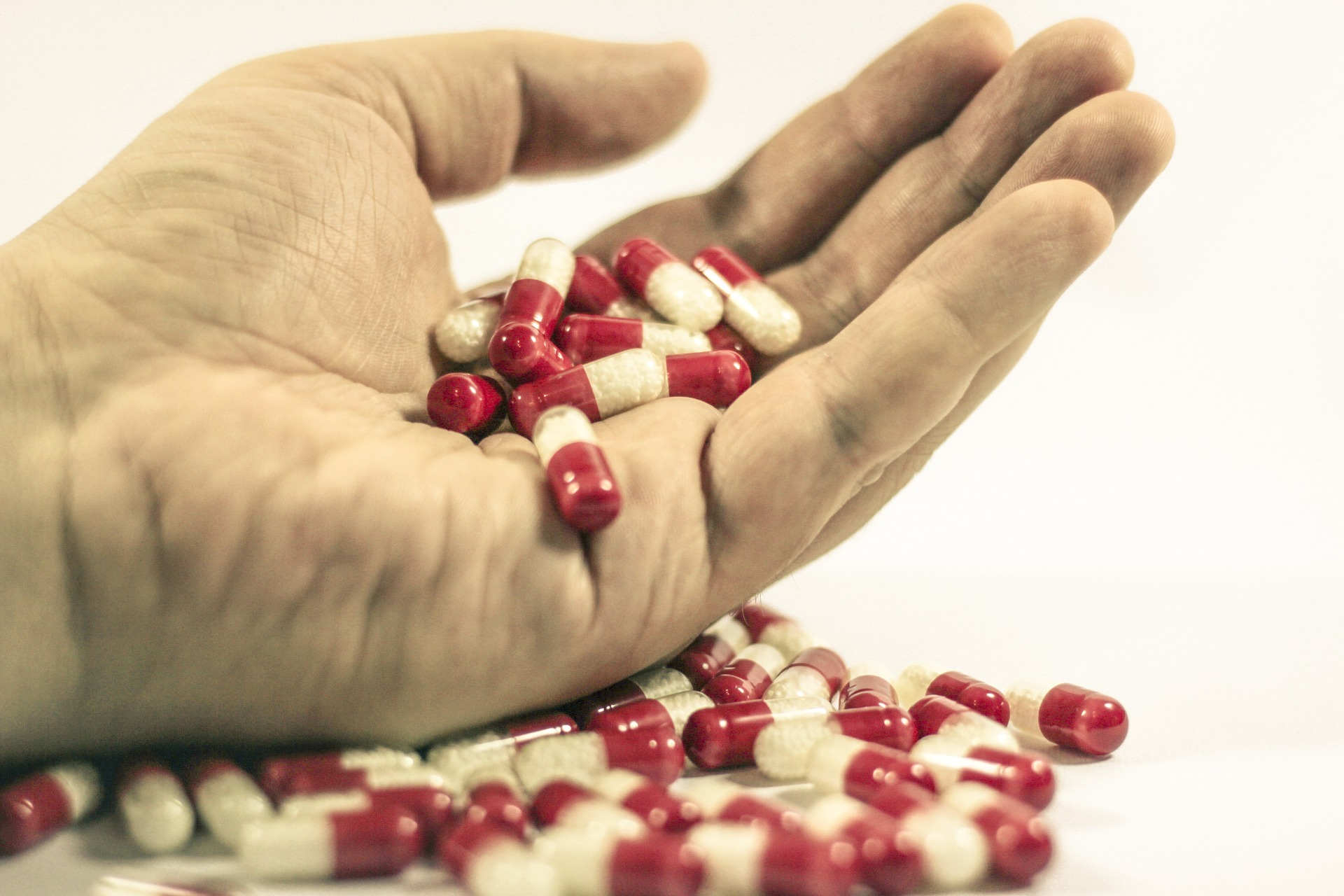 Cure Drug  by frolicsomepl via Pixabay (Public Domain)