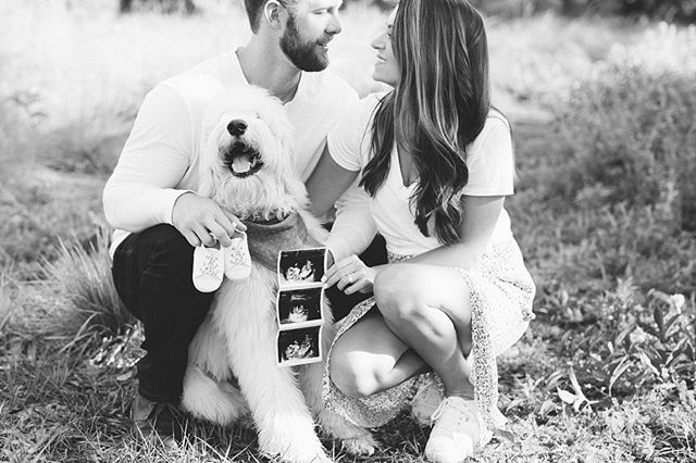 The sweetest adventure that's about to begin ✨🖤 being able to capture these moments is the greatest gift. So happy for this little fam! 😘