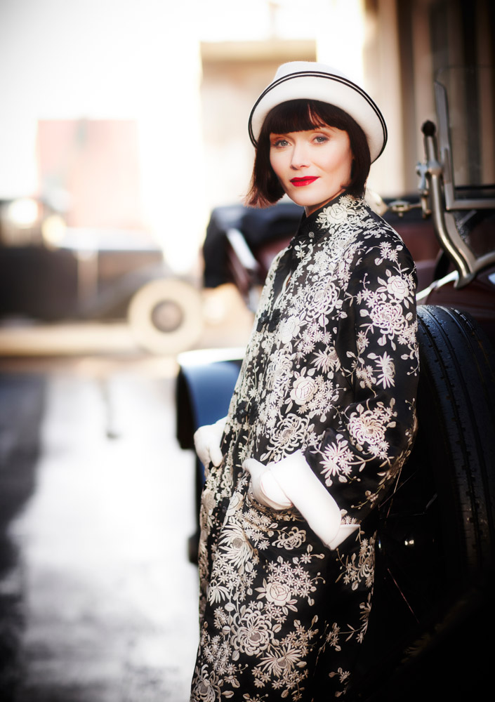2011_07_19_0311_Ep-4_Death-at-Victoria-Dock_Miss-Phryne-Fisher-(Essie-Davis).jpg