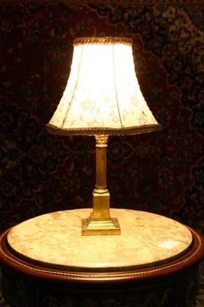 Renaissance Antique Dublin Ireland Brass corinthian column table lamp