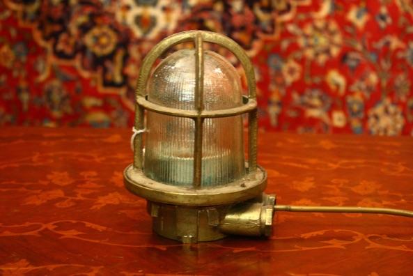 Renaissance Antique Dublin Ireland Solid brass ships lamp