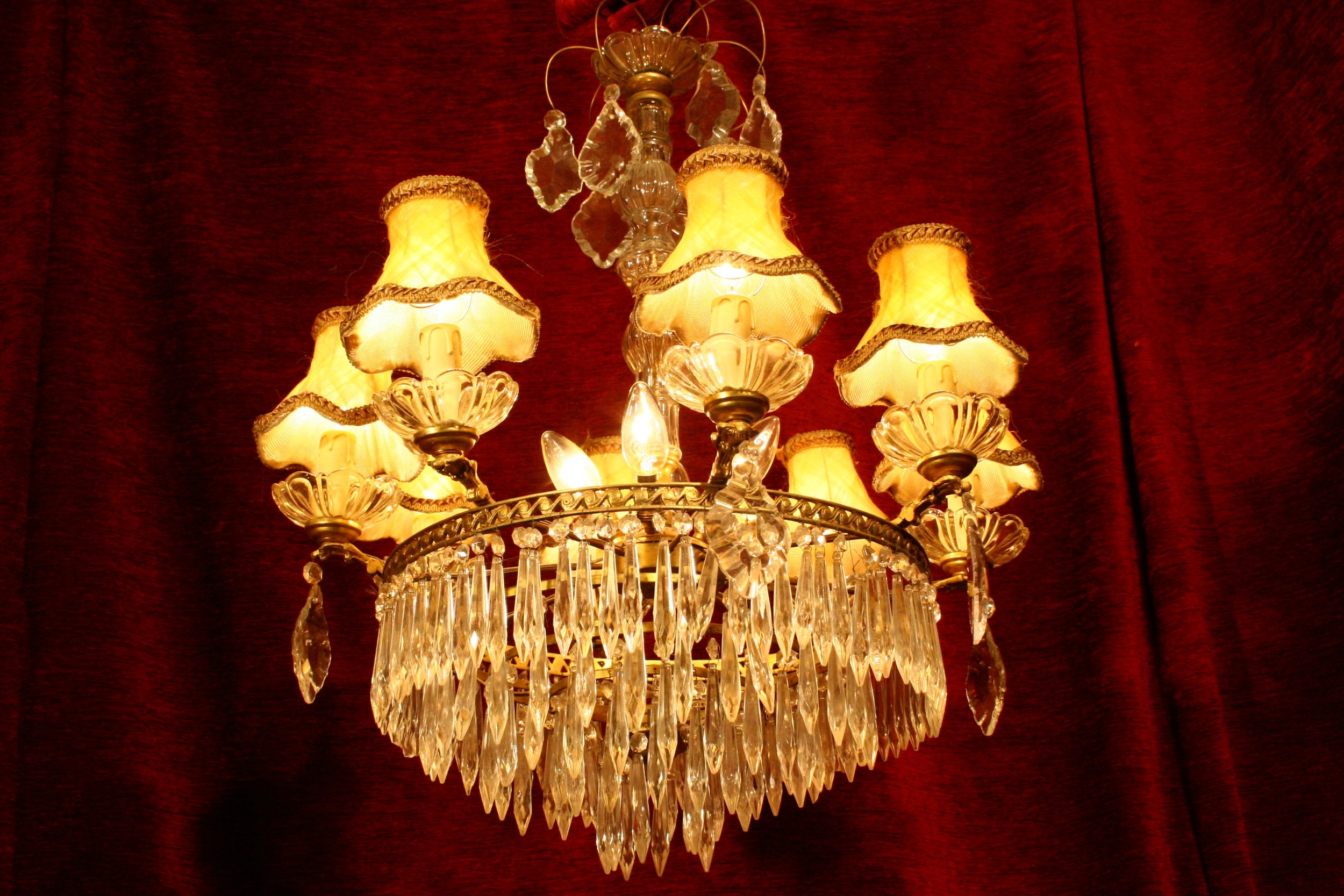 Renaissance Antique Dublin Ireland Chandelier spike crystals