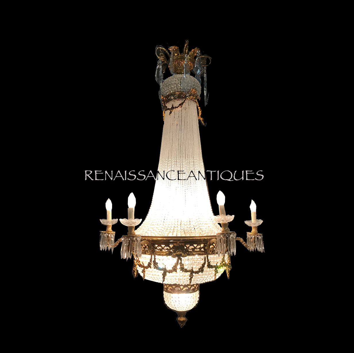 Large christal chandelier.png