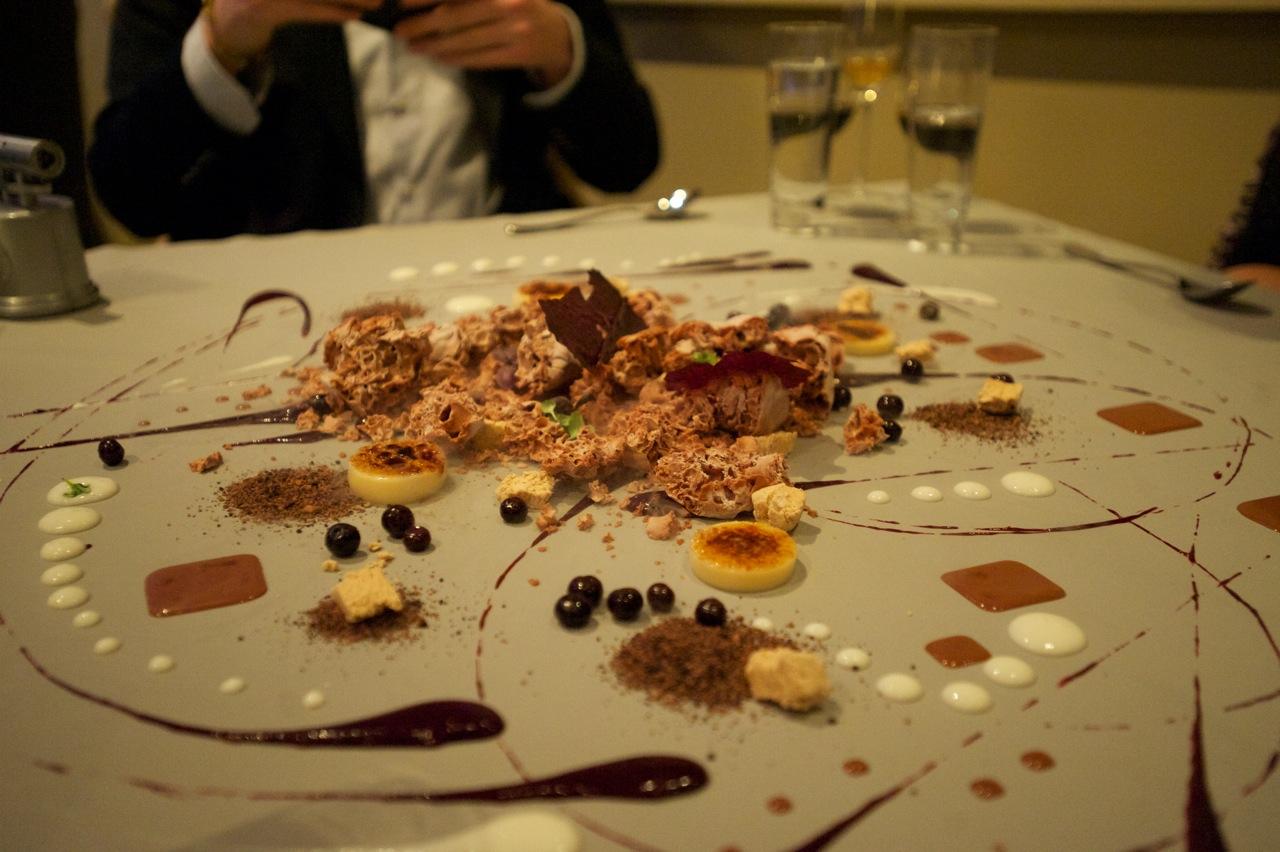 Nachtisch direkt vom Tisch, Pic via  Pinterest