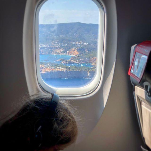 Otro avión y aparecemos en Ibiza.....disfrute total con los niños