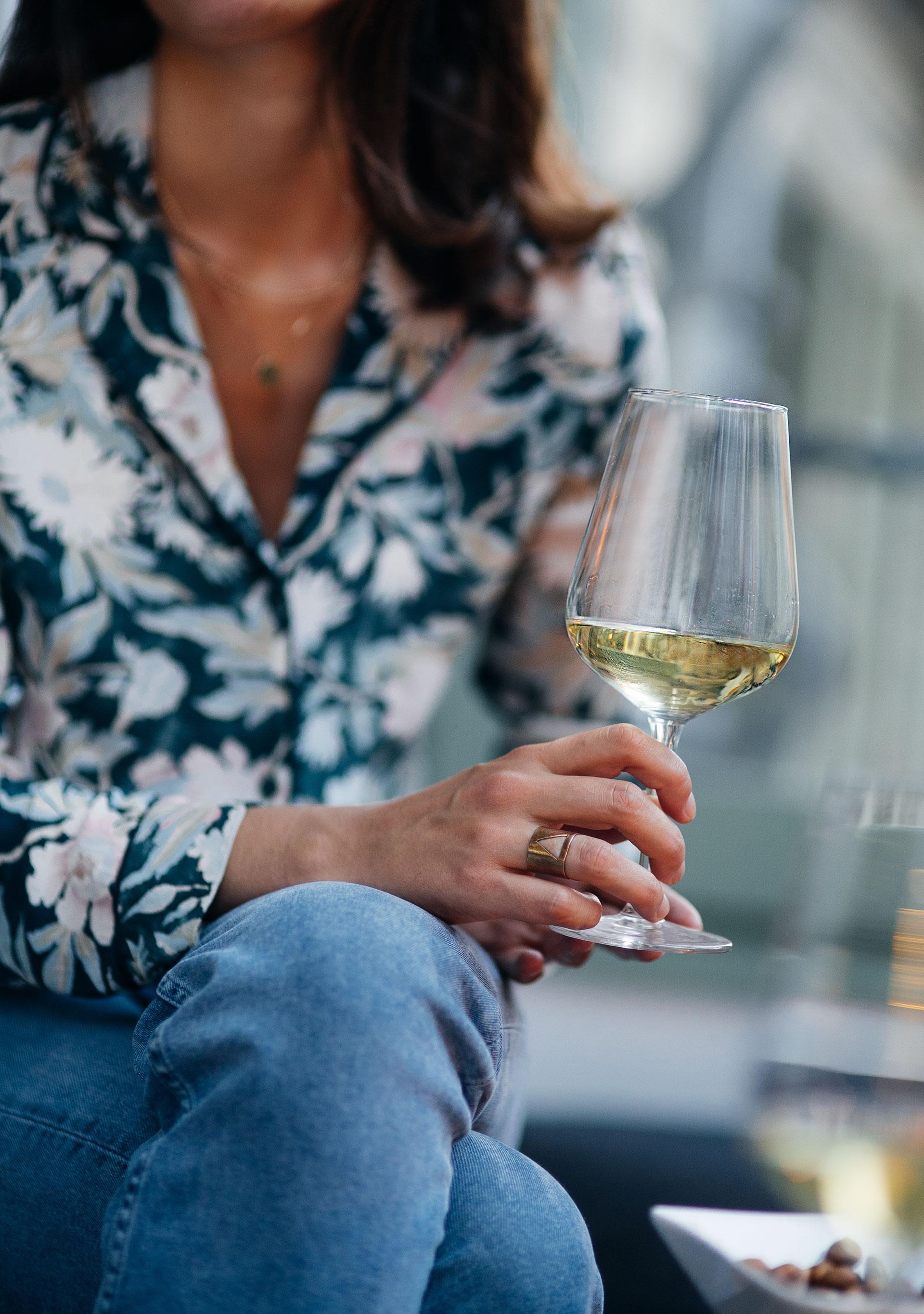 DSTN-photos-lifestyle-wine.jpg