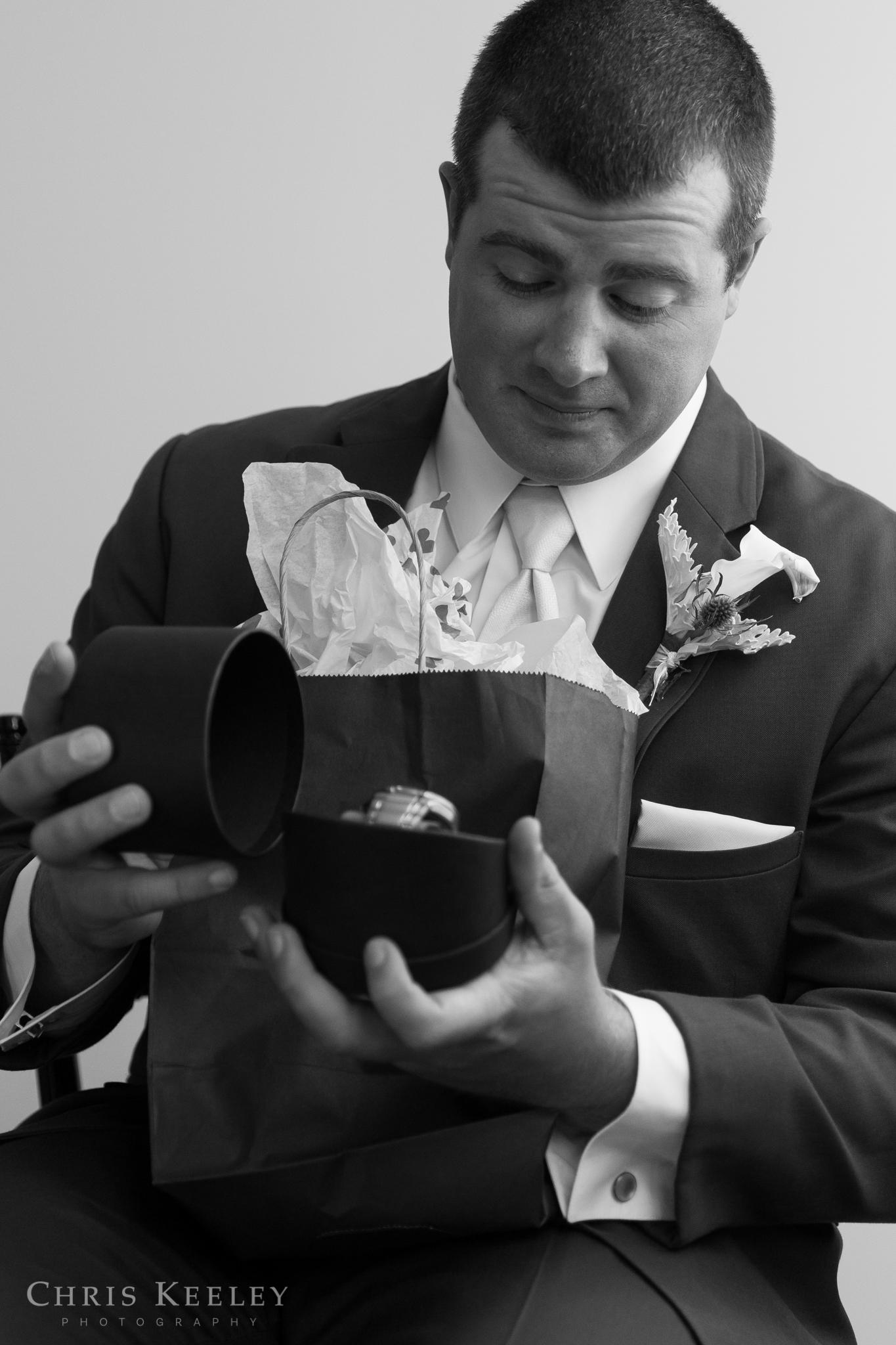 12-blue-ocean-music-hall-massachusetts-wedding-photographer.jpg
