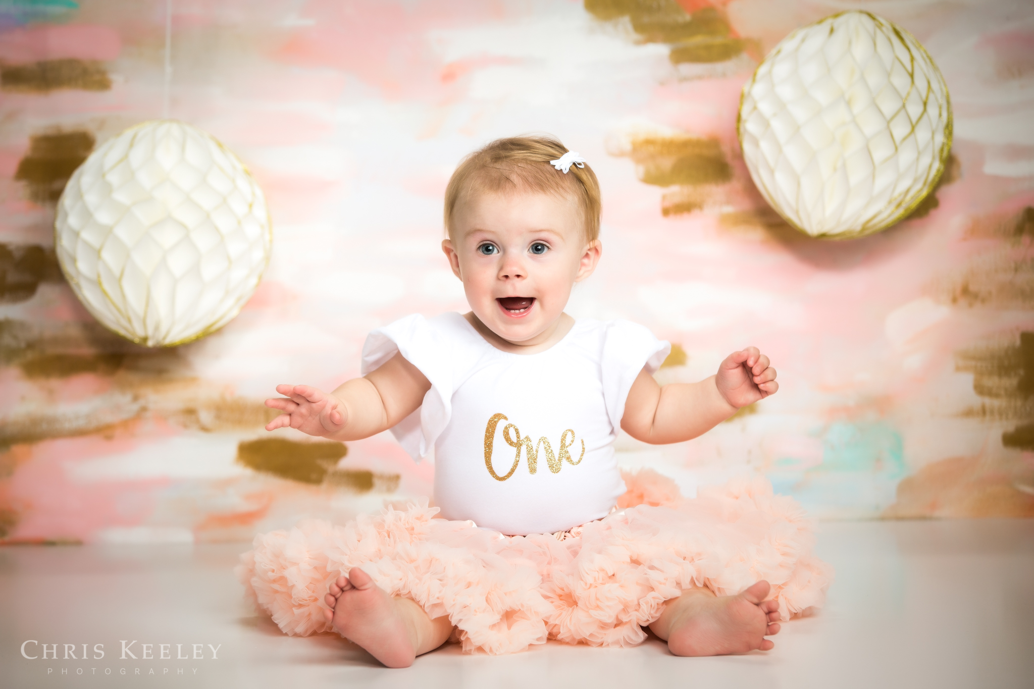 gwendolyn-one-year-cake-smash-dover-new-hampshire-photographer-01.jpg