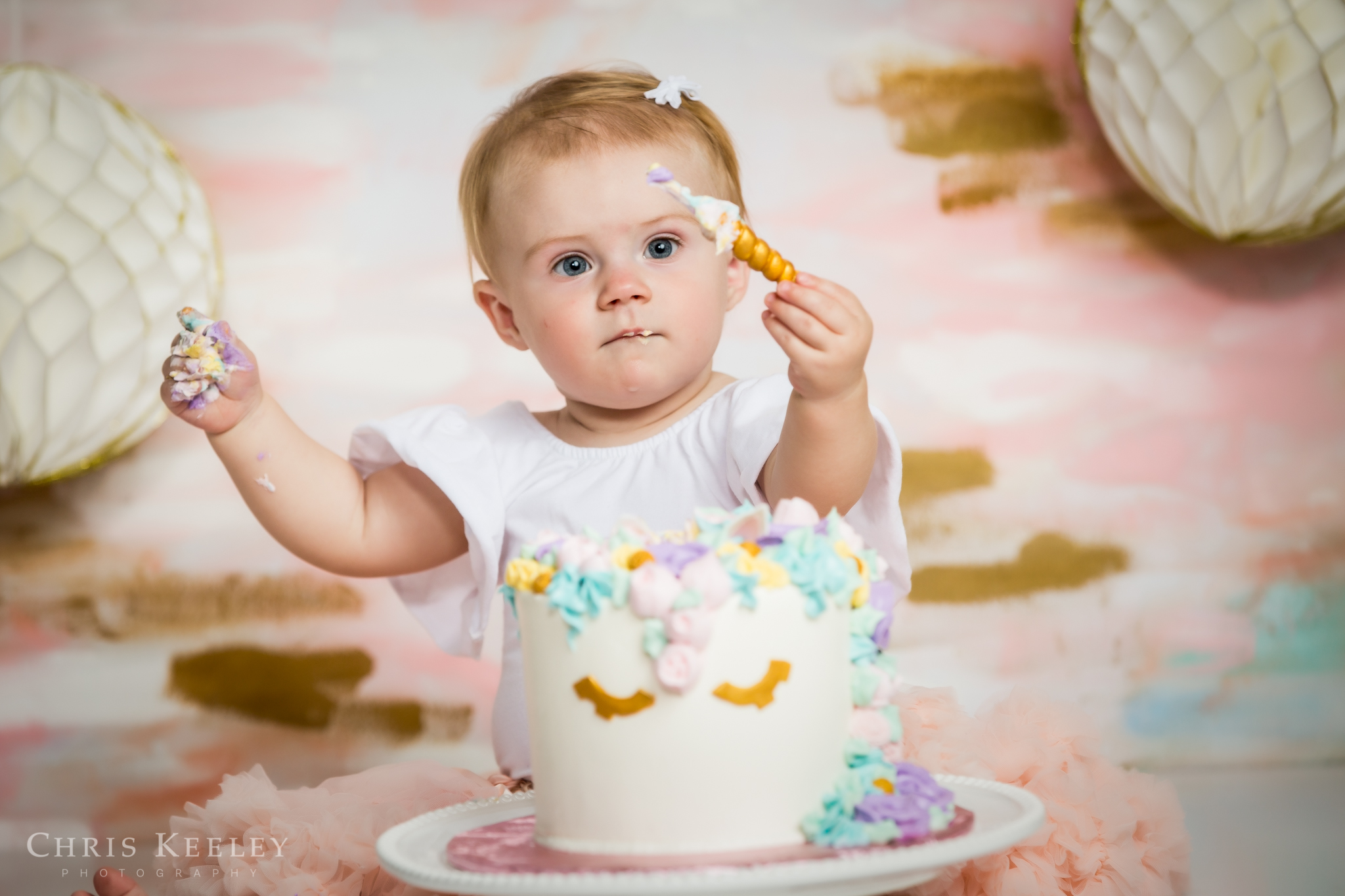 gwendolyn-one-year-cake-smash-dover-new-hampshire-photographer-04.jpg