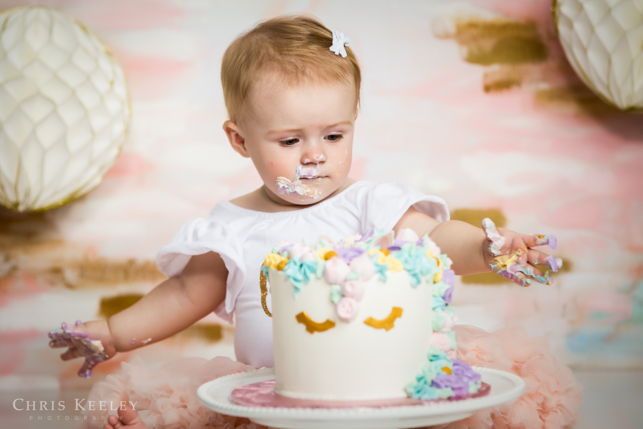 gwendolyn-one-year-cake-smash-dover-new-hampshire-photographer-05.jpg