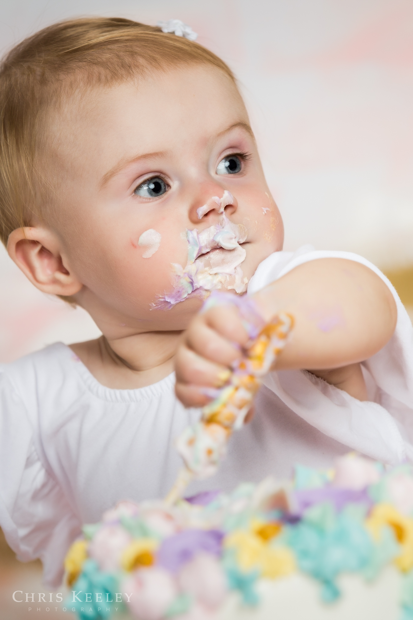 gwendolyn-one-year-cake-smash-dover-new-hampshire-photographer-06.jpg