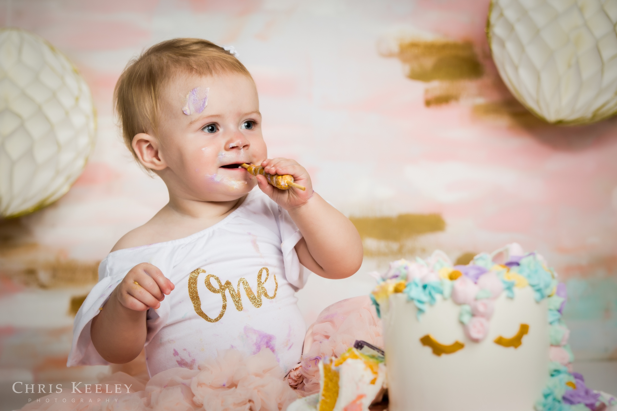 gwendolyn-one-year-cake-smash-dover-new-hampshire-photographer-12.jpg