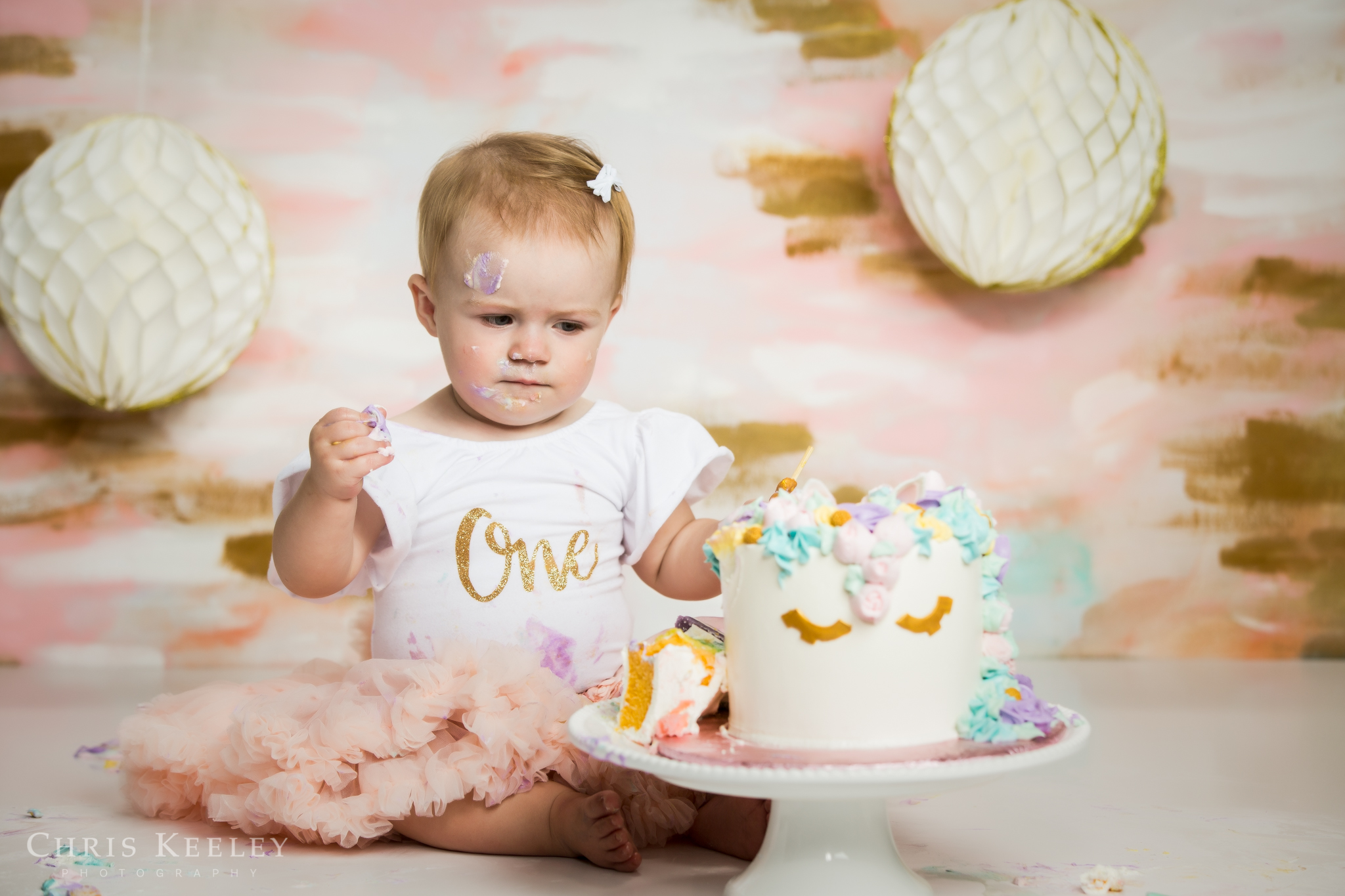 gwendolyn-one-year-cake-smash-dover-new-hampshire-photographer-14.jpg