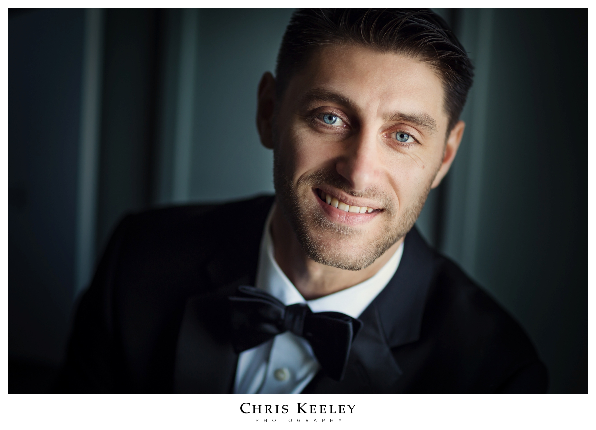 groom-portrait-at-cliff-house.jpg