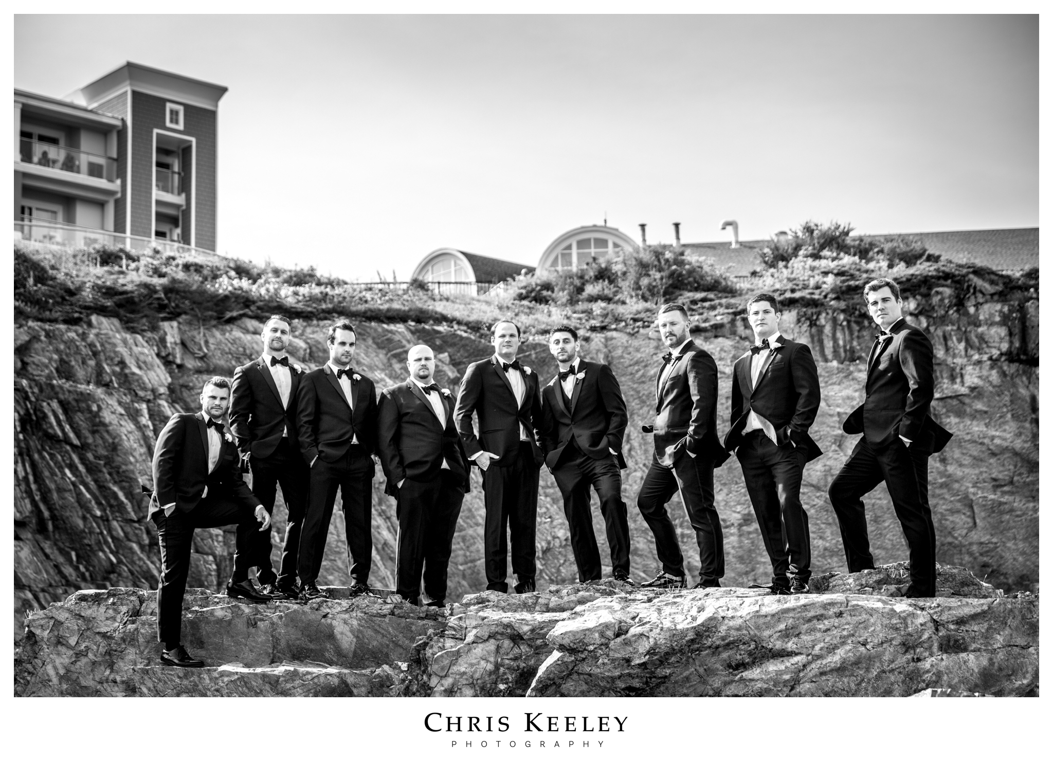 cliff-house-groomsmen.jpg