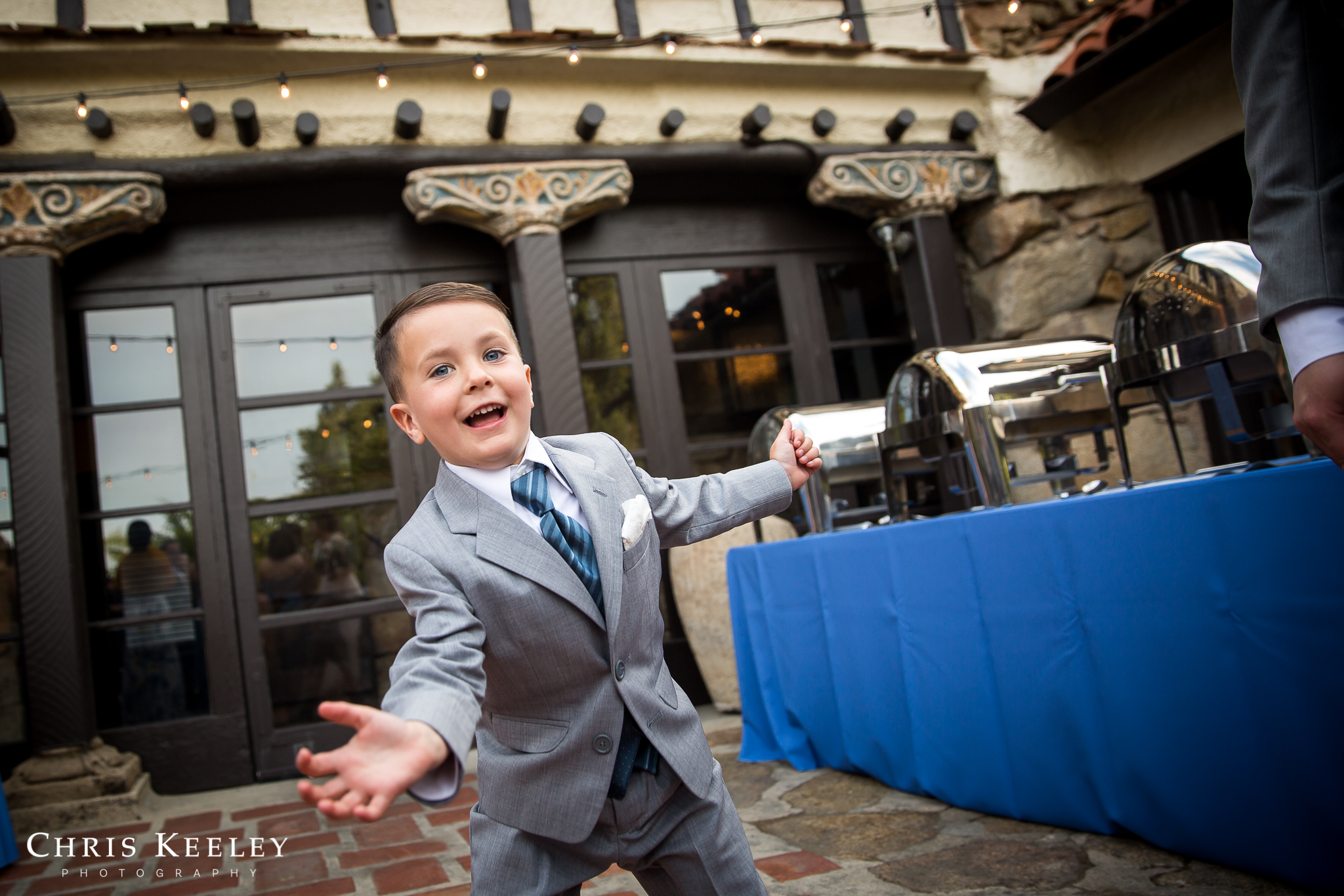 ring-bearer-silly-candid-moment.jpg