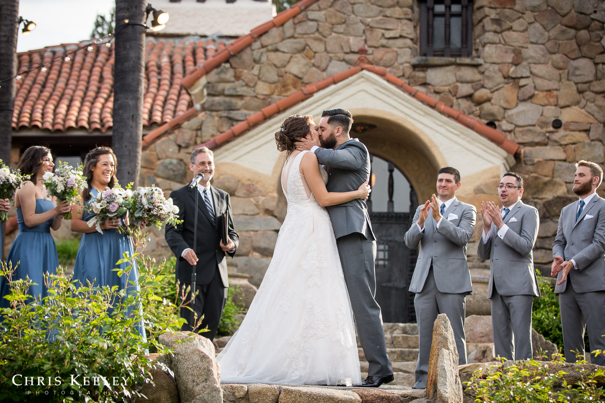 mt-woodson-castle-bride-groom-first-kiss.jpg