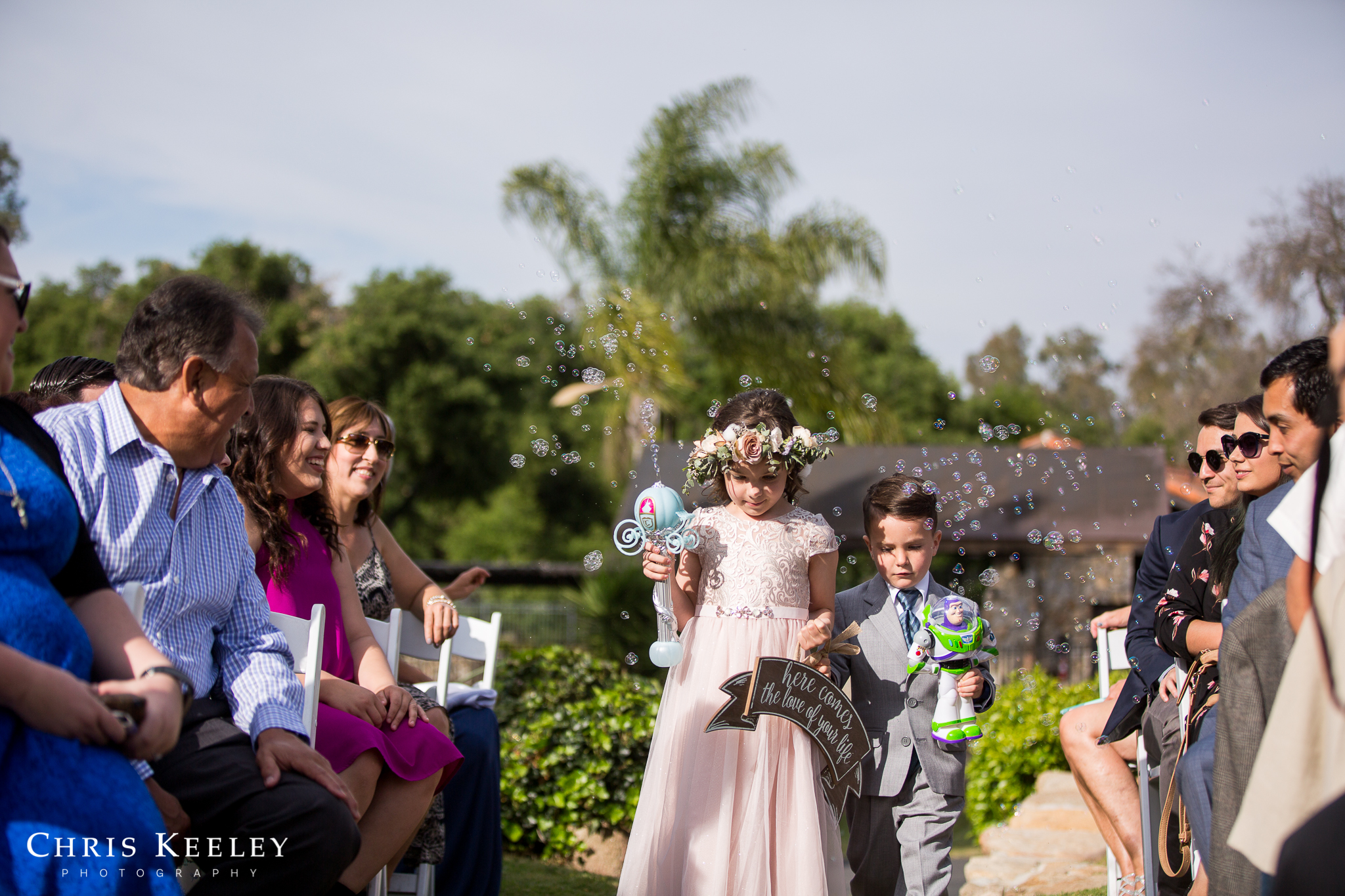 flower-girl-and-ring-bearer-bubbles.jpg