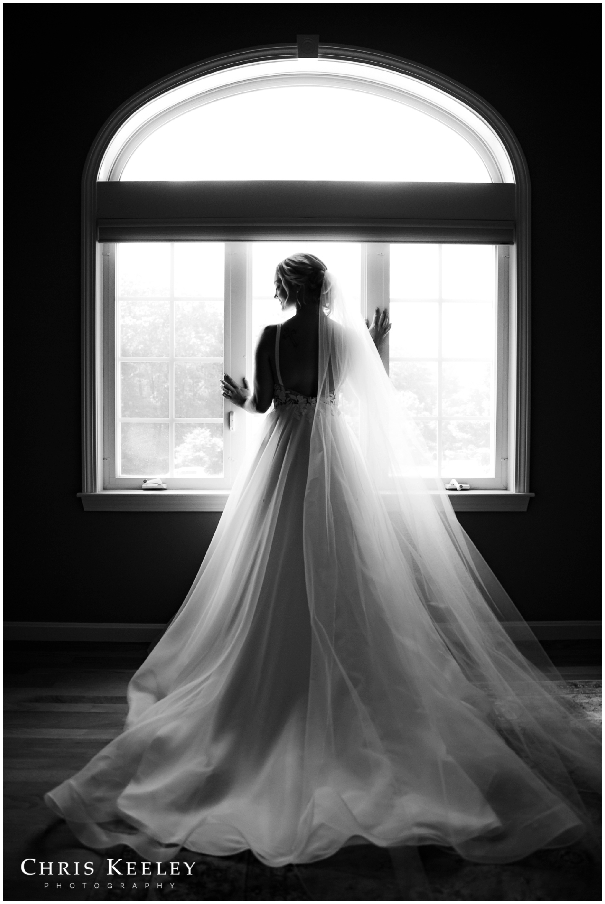dramatic-black-and-white-bridal-portrait.jpg