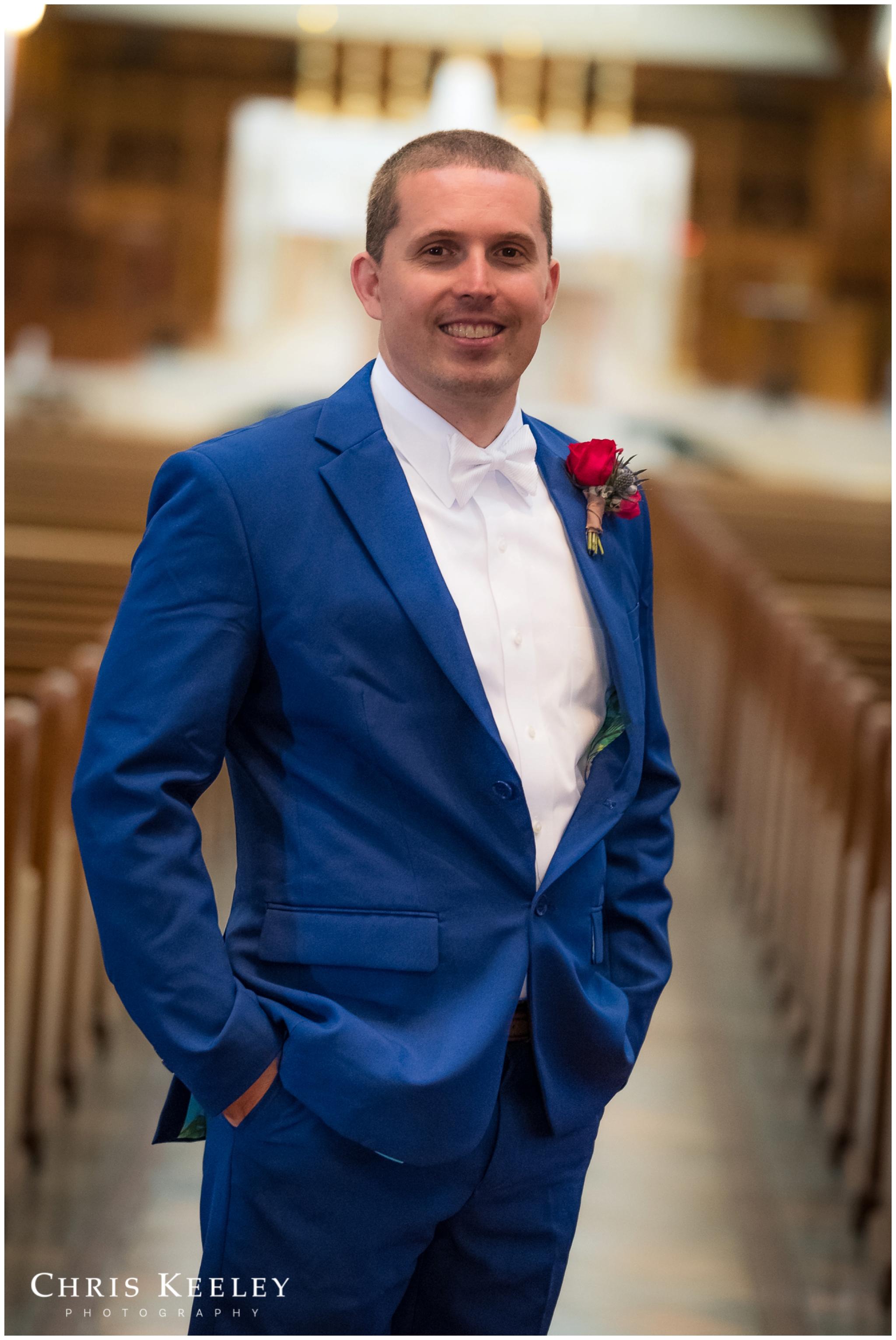 groom-portrait-at-church.jpg