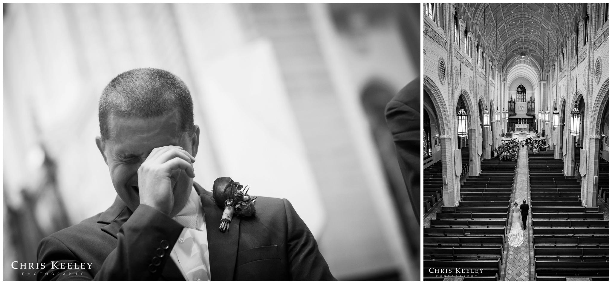 groom-crying-at-site-of-bride.jpg