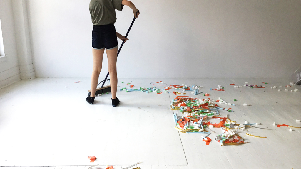 Le ménage , image issue d'une séquence en stopmotion