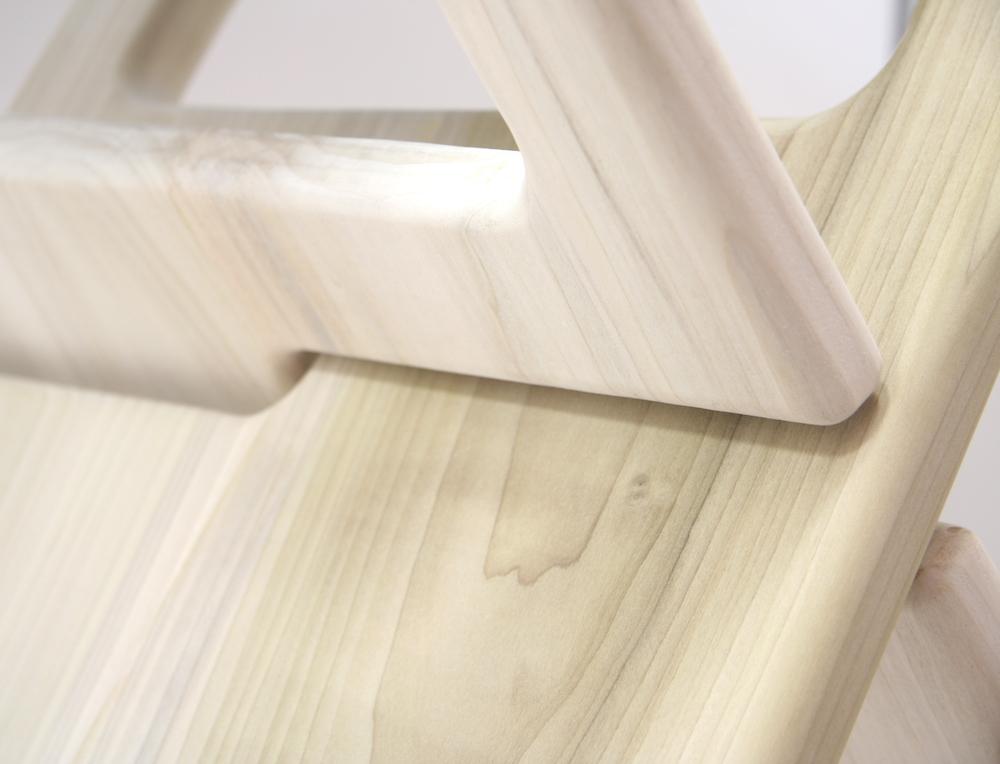 Brennan-Chiu_Industrial-Design_No7-Chair_Portable_Detail-Shot-B.jpg