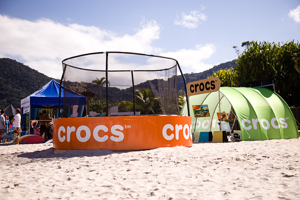 The trampoline signs and tent were made of PET plastic 100% recycled